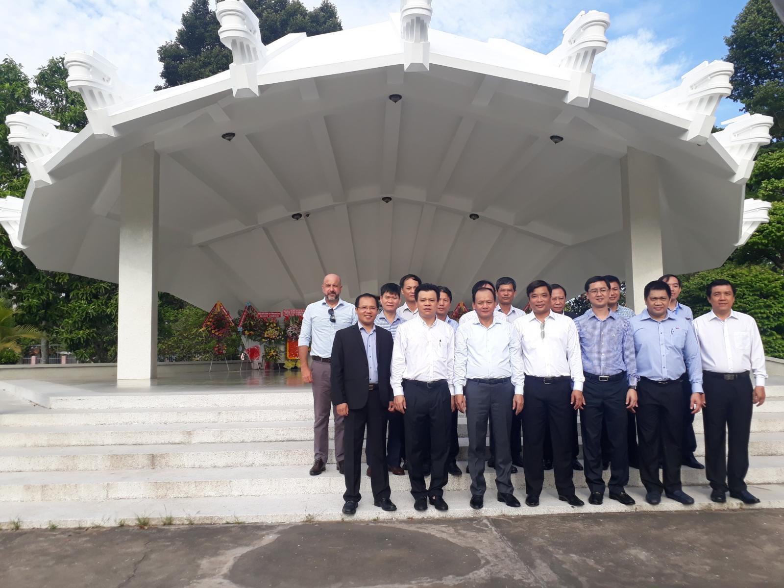 Khu Di tích Nguyễn Sinh Sắc chào mừng kỷ niệm 129 năm ngày sinh của Chủ tịch Hồ Chí Minh (19/5/1890 – 19/5/2019)