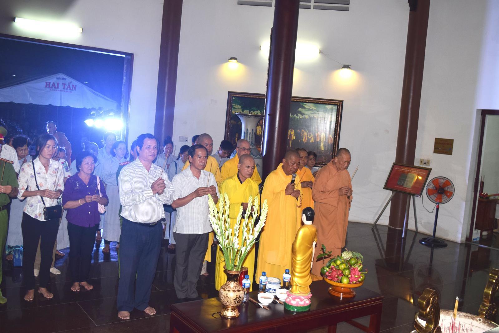 Hoạt động Văn hóa truyền thống Rằm Trung nguyên 2018 tại Khu di tích Nguyễn Sinh Sắc thu hút đông đảo khách tham quan