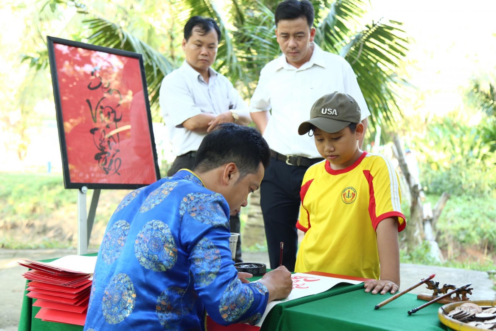Sôi nổi các hoạt động tại lễ giỗ lần thứ 89 của Cụ Phó bảng Nguyễn Sinh Sắc vào ngày 01/12/2018