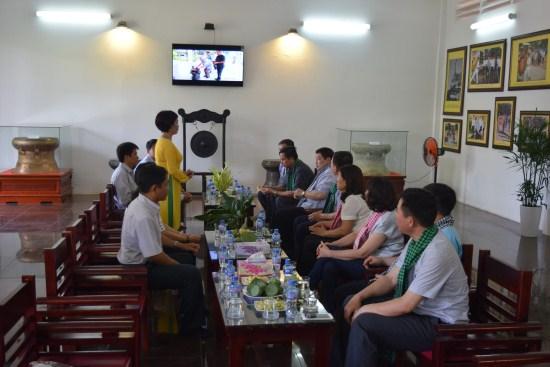 Làm việc với Đoàn công tác Ban Quản lý Lăng Chủ tịch Hồ Chí Minh