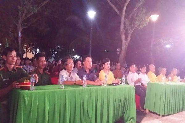 Hoạt động Văn hóa Rằm Trung nguyên tại Khu di tích Nguyễn Sinh Sắc thu hút trên 2.000 lượt khách tham quan